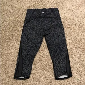 "lululemon athletica Pants - Lulu🍋 Train Times Crop 17"", size 6"